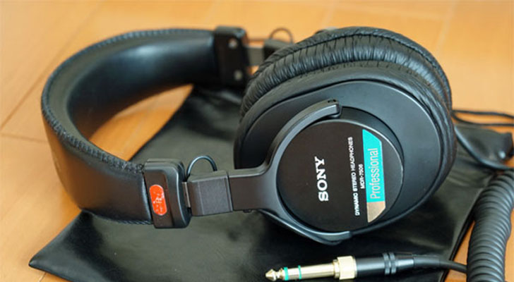 SONYのMDR-7506